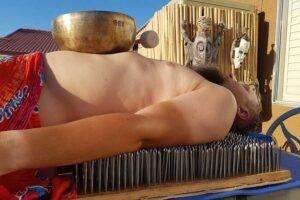 Саунд-детокс и звукотерапия: древние практики для современного человека